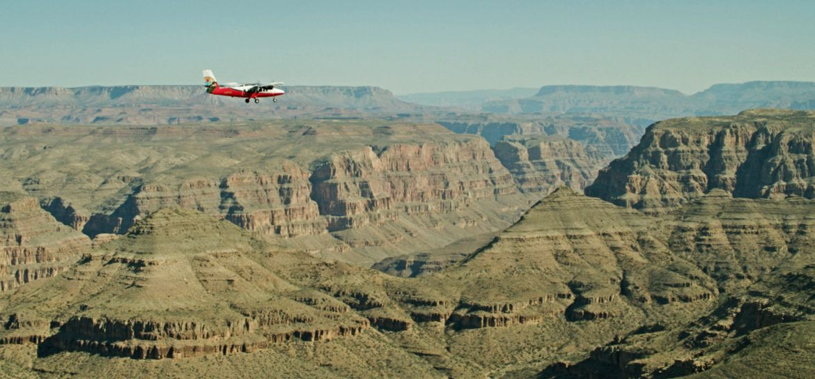 Catch breathtaking aerial views from an airplane during Papillon's Las Vegas trips to the Grand Canyon