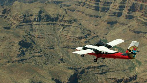 GCSA Twin Otter over Grand Canyon