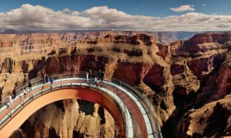 RS6217_eagle-point-grand-canyon-skywalk