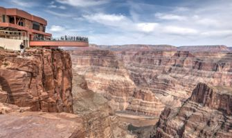 RS9349_skywalk-grand-canyon-west-rim-views-of-river