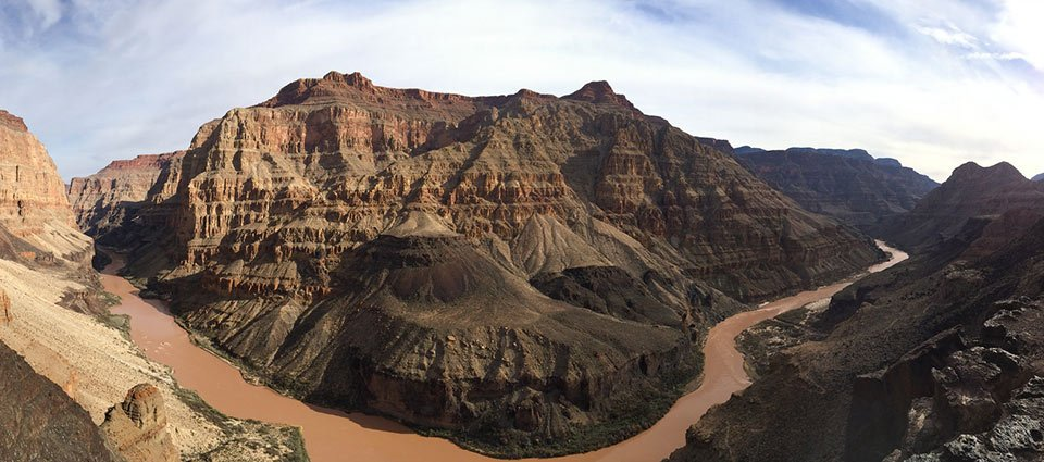 A day hike with Grand Canyon sightseeing.
