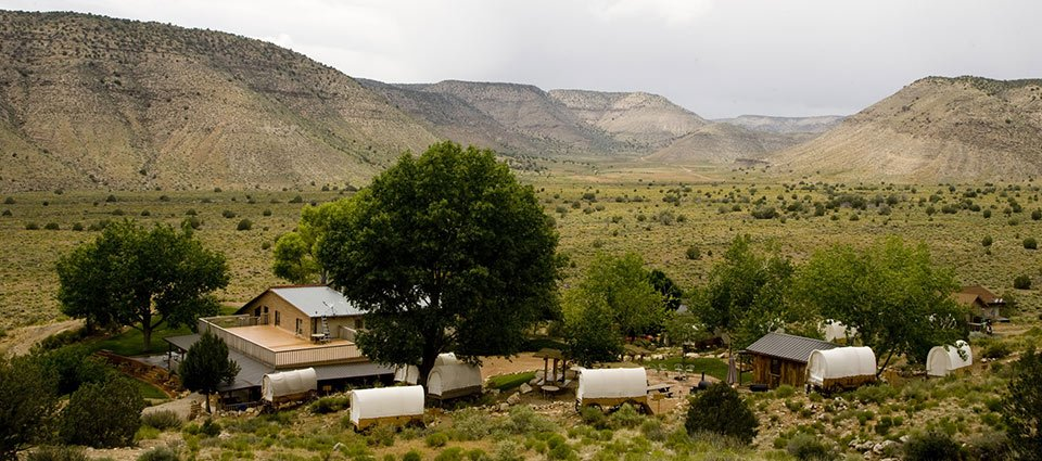 Country accommodations for a cozy night at the Grand Canyon.