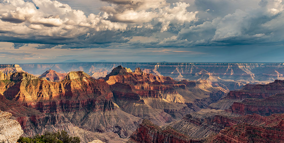 A landscape image of the Grand Canyon during a Papillon Grand Canyon Helicopter day tour
