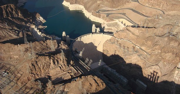 Hoover Dam and the surrounding scenery seen from the sky.