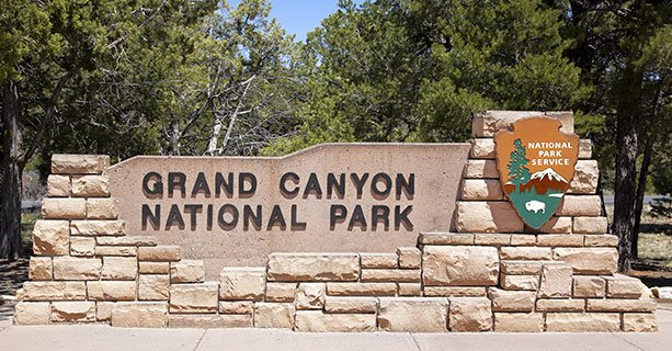 Schild mit Aufschrift: Grand Canyon National Park