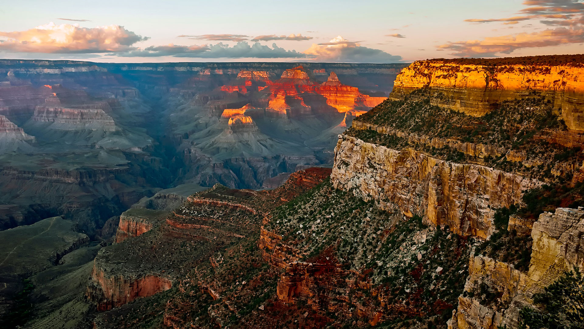 A beautiful grand Canyon vantage point at sunset.
